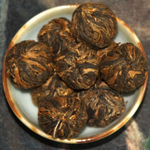 Хун Мей (Красный связанный чай с цветком розы)