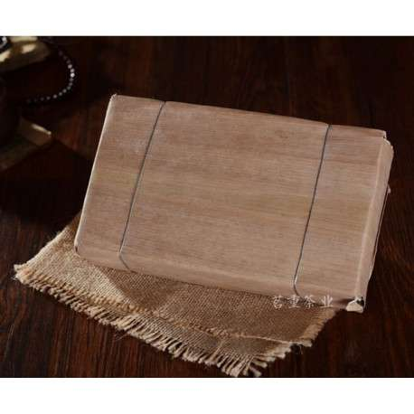 Гигантский шен пуэр в бамбуке