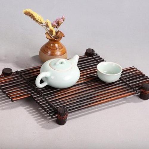 Чайный столик из бамбука