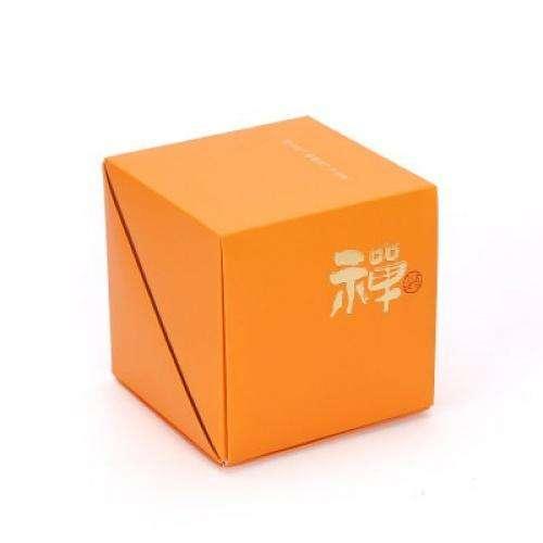 Коробочка оранжевая