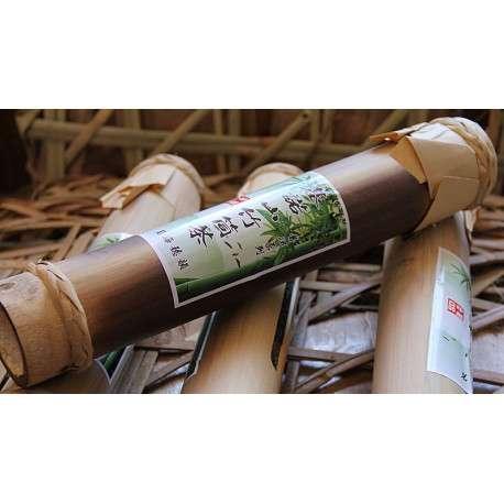 Пуэр в стволе бамбука, 2009г. (чай длинной 41см))