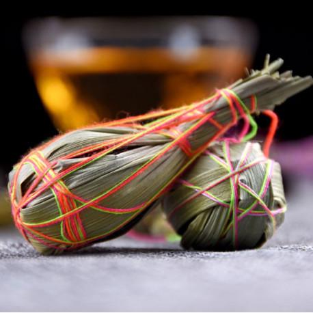 Связанный чай из Юннаня