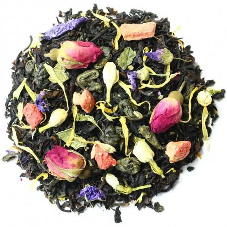 Черный и зеленый чай с цветами и фруктами